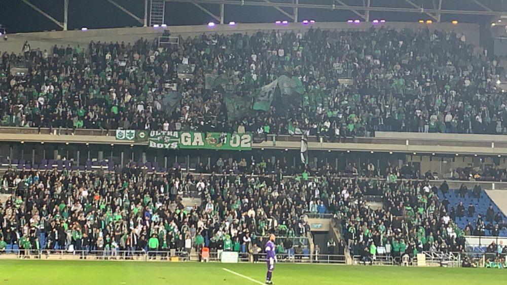 משחק קבוצת מכבי חיפה באצטדיון נתניה (צילום: מוטי עסור)