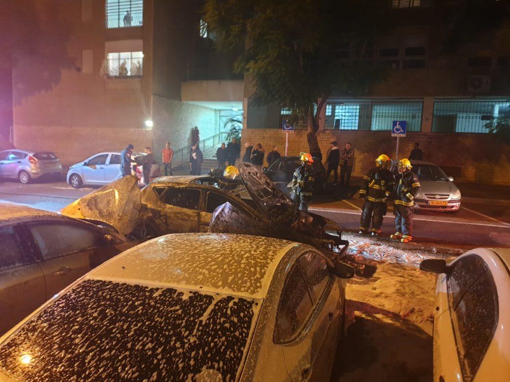 רכב נשרף (צילום כבאות והצלה)