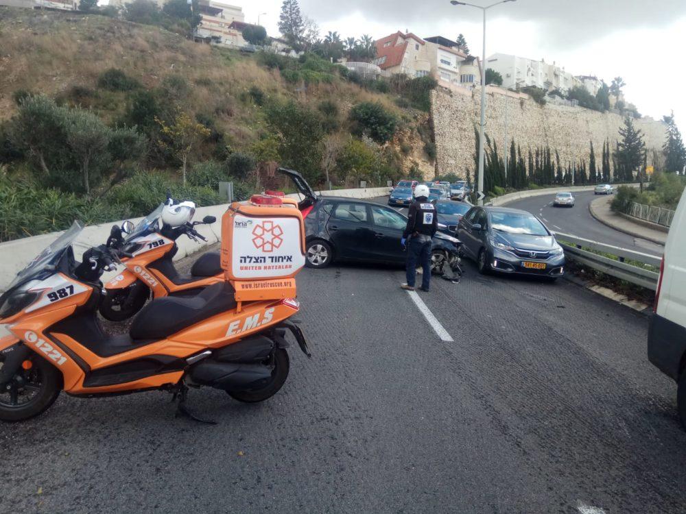 תאונת דרכים בפרויד - עומסי תנועה חריגים במקום (צילום: איחוד הצלה)