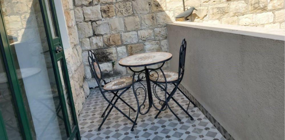 מרפסת המשרד להשכרה בחיפה