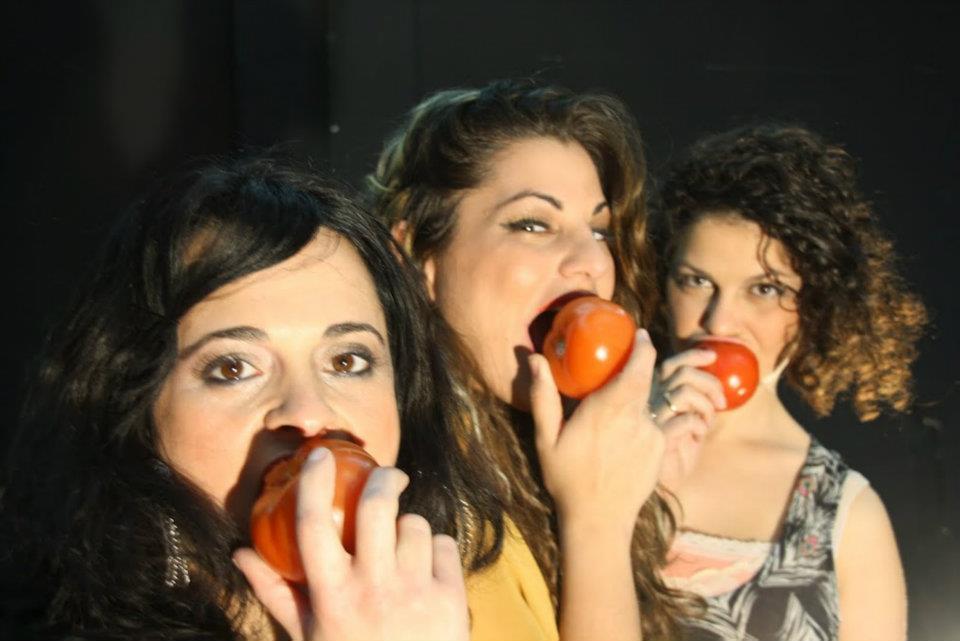 פרחה שם יפה, קטעים מתוך ההצגה ושיח עם השחקניות והבמאית במוזיאון העיר חיפה (צילום: אני אטדגי)