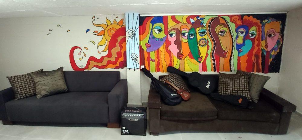 ציור קיר במעון גיל ים • בני בשן מצייר על קירות בחיפה (צילום: בני בשן)