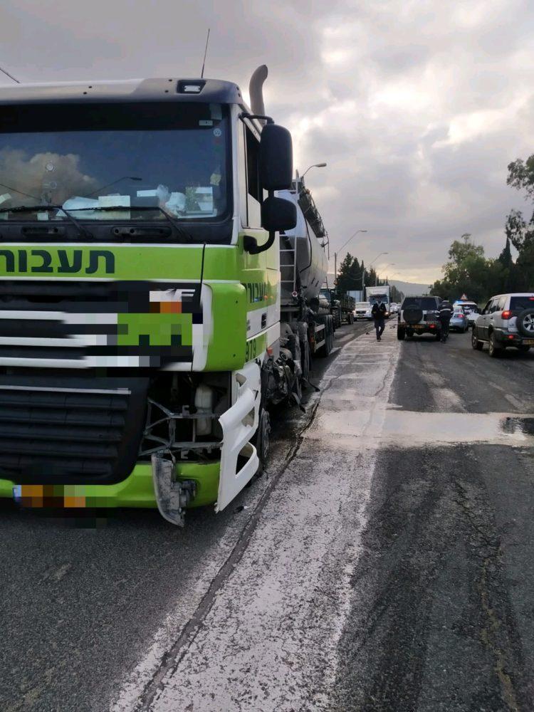 תאונה בה מעורבת משאית (צילום איחוד והצלה)