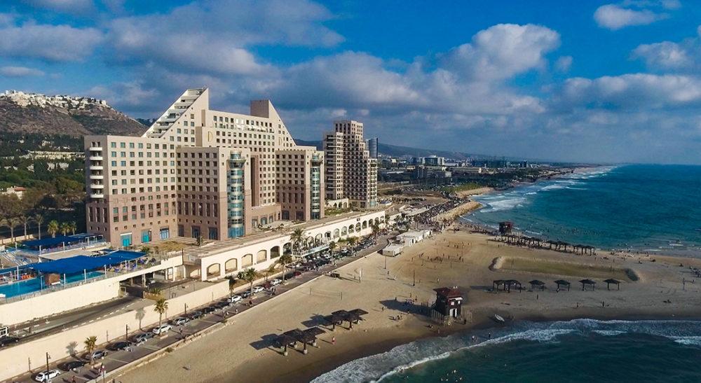 מגדלי חוף הכרמל מלון מרידיאן (צילום רחפן - ניר הופמן)
