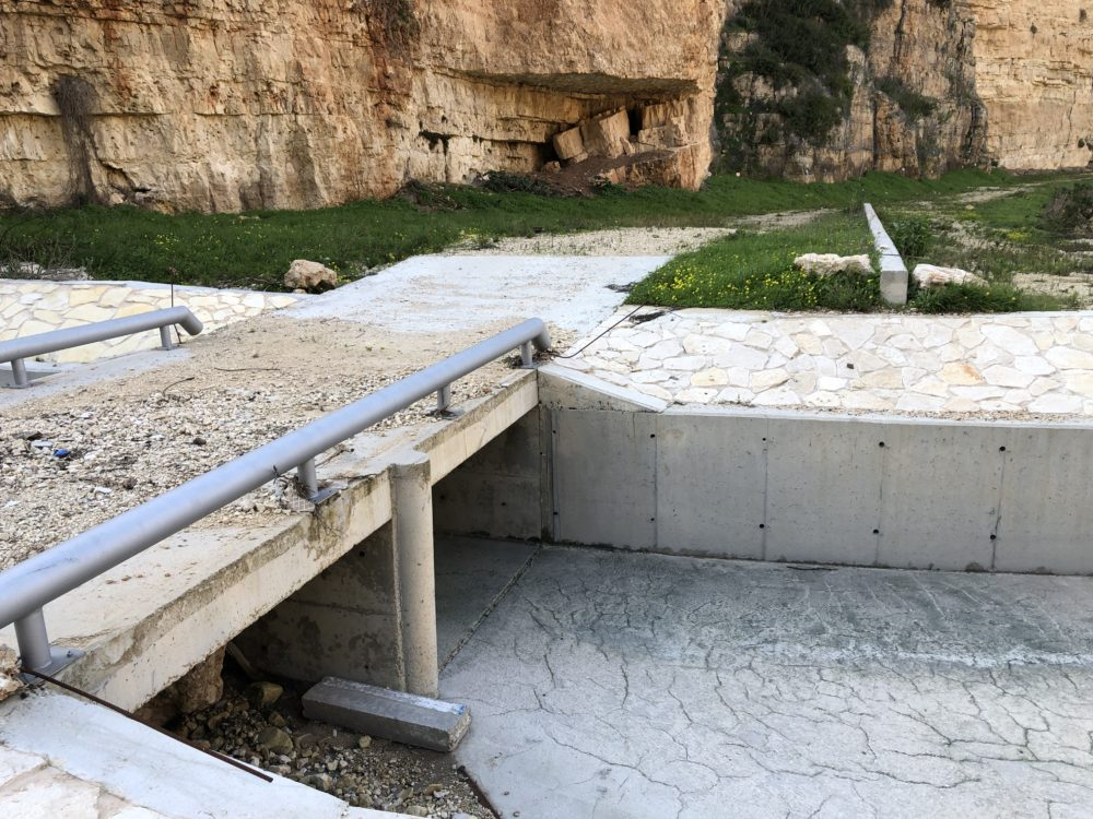 גשר מעל המפל המתוכנן • נחל הגיבורים בחיפה (צילום: ירון כרמי)