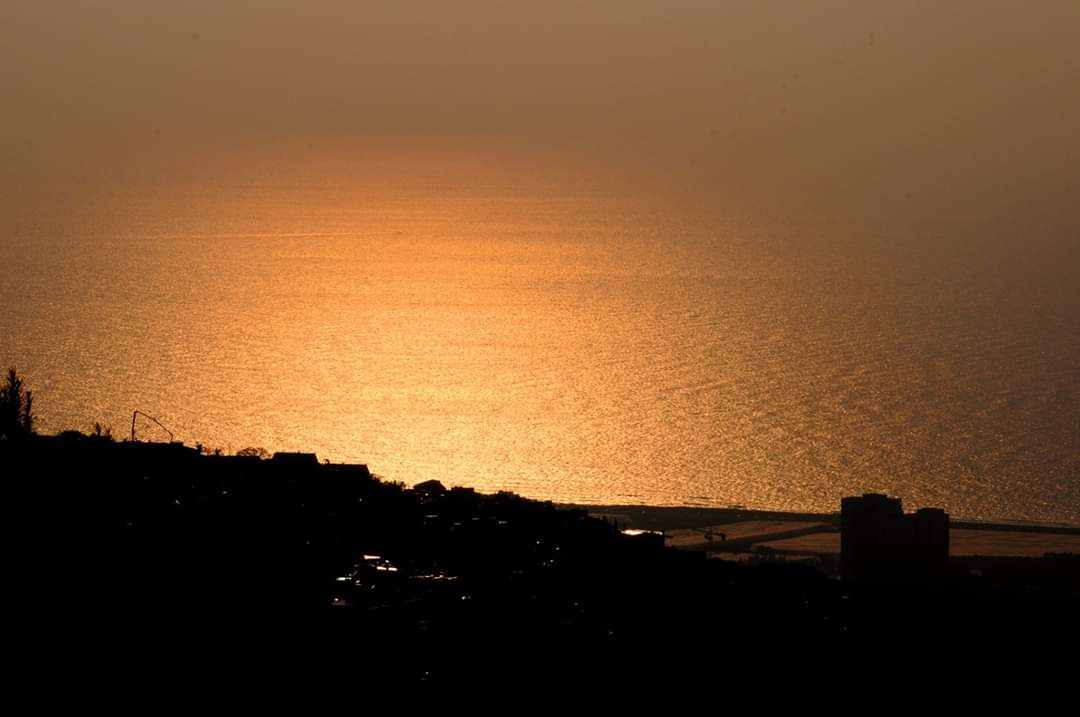 שקיעה כרמלית בחיפה (צילום: נביל נסראלדין)