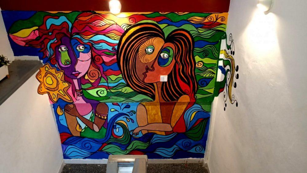 ציור קיר - הבית ברחוב חיים • בני בשן מצייר על קירות בחיפה (צילום: בני בשן)