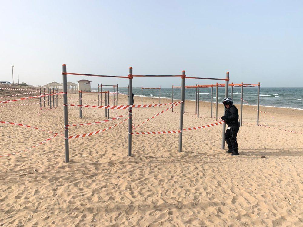 פקחים אוכפים סגר קורונה בחופי חיפה (צילום: חי פה)