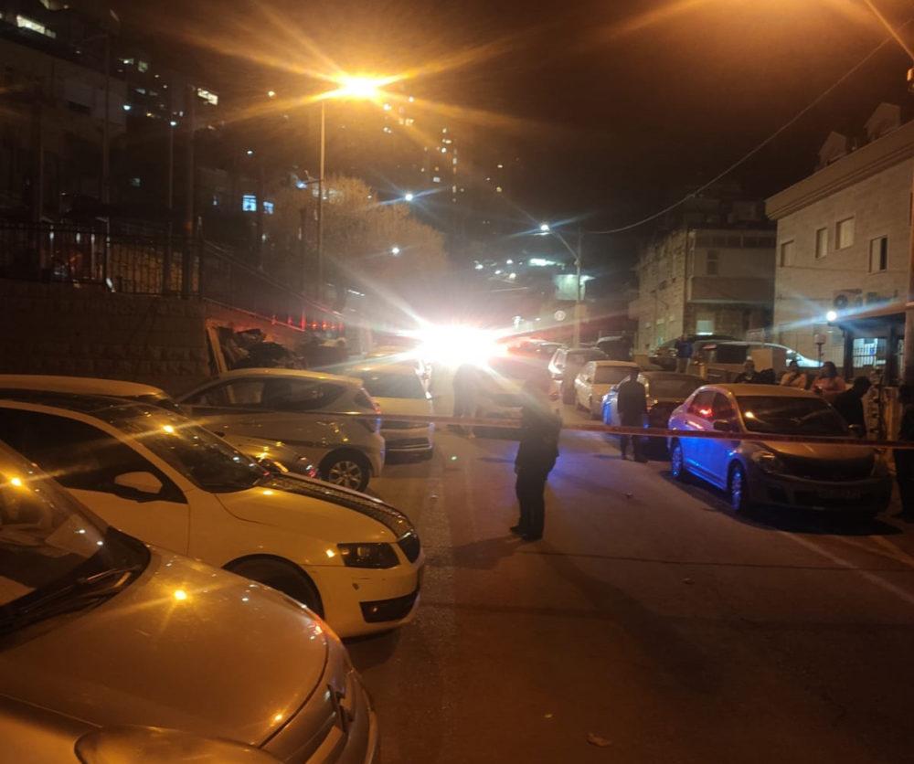 זירת ירי  ברחוב אלמותנבי בחיפה (צילום: חי פה)