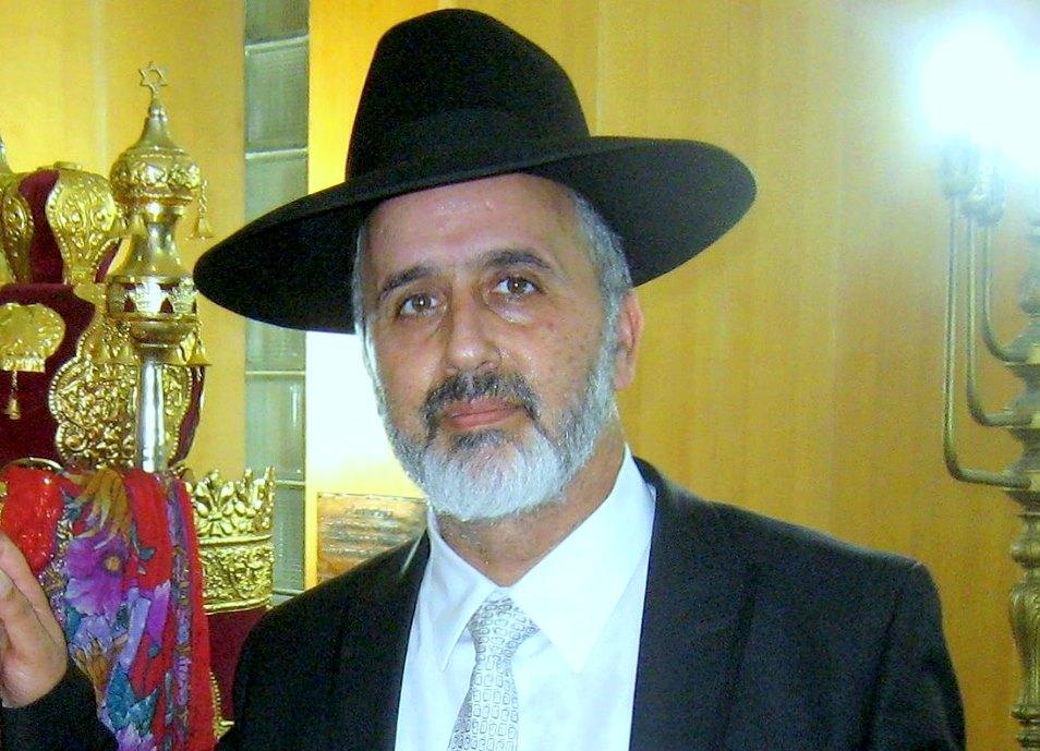 כבוד הרב ניסים דנינו רב בית הכנסת הסלו' חיים חביב בחיפה צילום אדיר יזירף