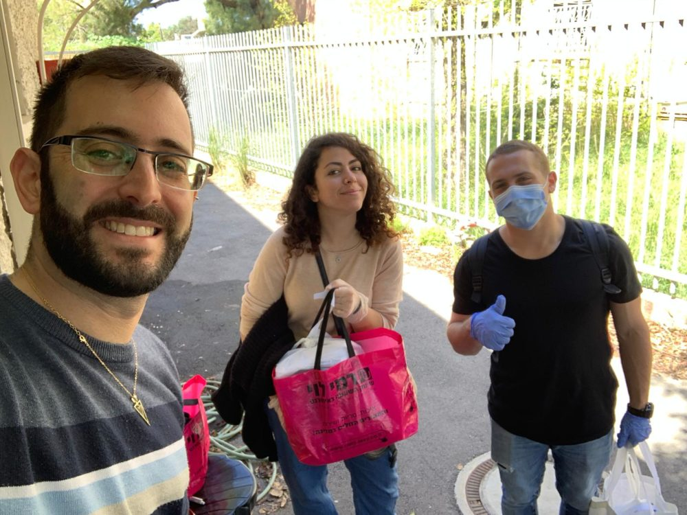 סיוע לנזקקים בחיפה (צילום: עידן ורון)