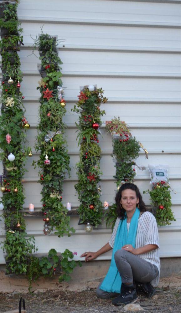 קירות ירוקים • פרויקט הגינה הקהילתית ברחוב סירקין בחיפה (צילום: ניב אוז'לבו (עוז))