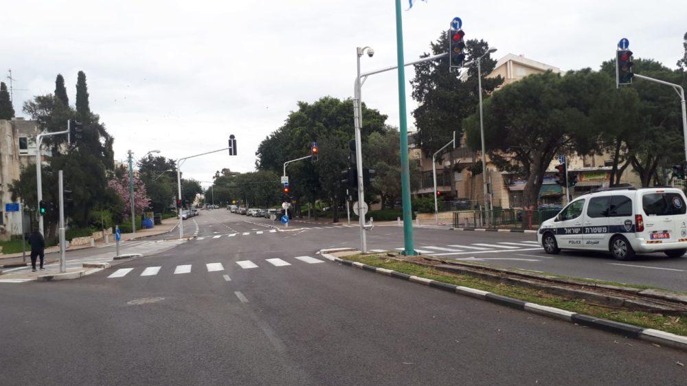 נוה שאנן, רחוב טרומפלדור • רחובות חיפה ריקים מאדם בליל הסדר - סגר קורונה (צילום: חי פה)