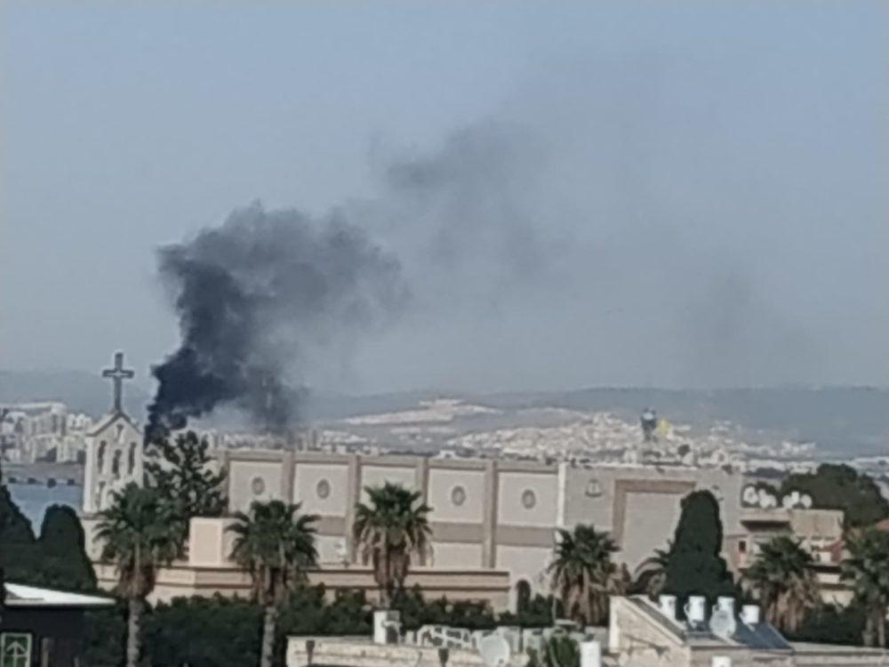 שריפה בחנות ברחוב העצמאות בחיפה (צילום: חי פה - חדשות חיפה)
