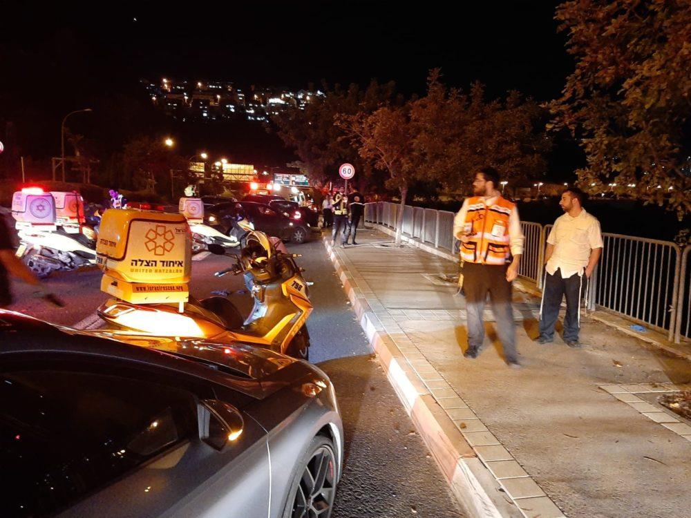 אשה נהרגה בתאונת דרכים בדרך שמחה גולן בחיפה (צילום: איחוד הצלה)