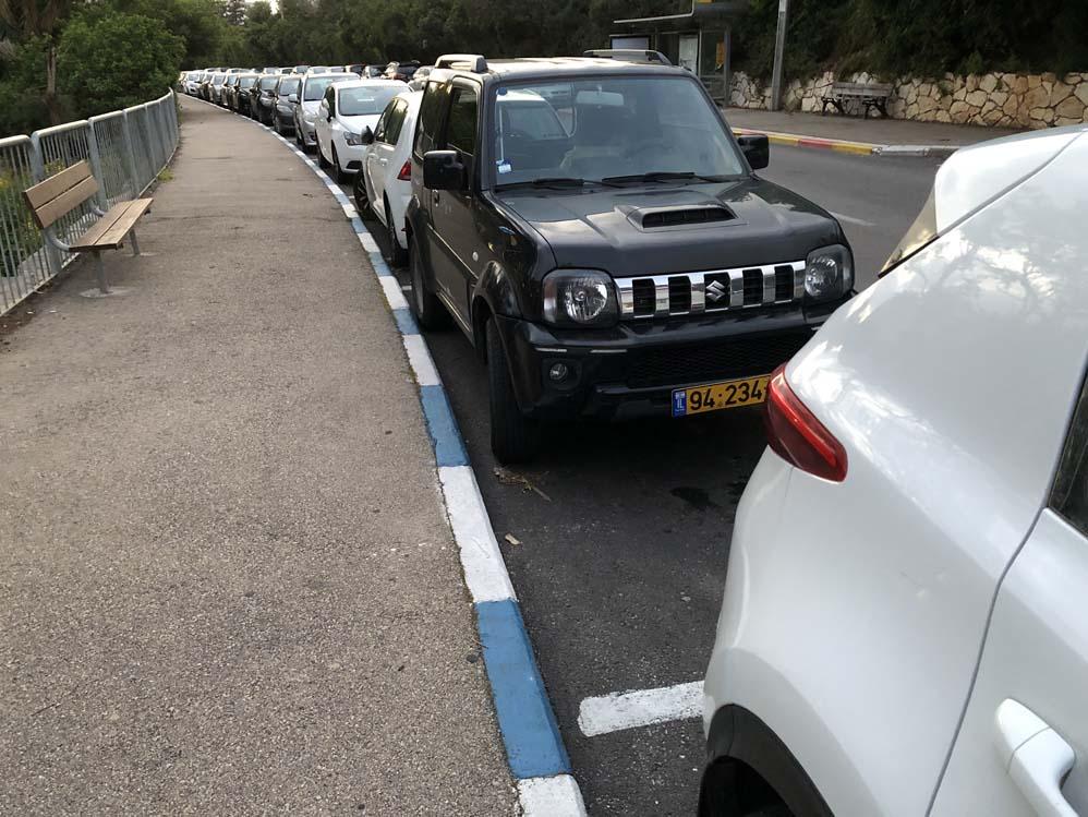 חניה בחיפה (צילום: ירון כרמי)