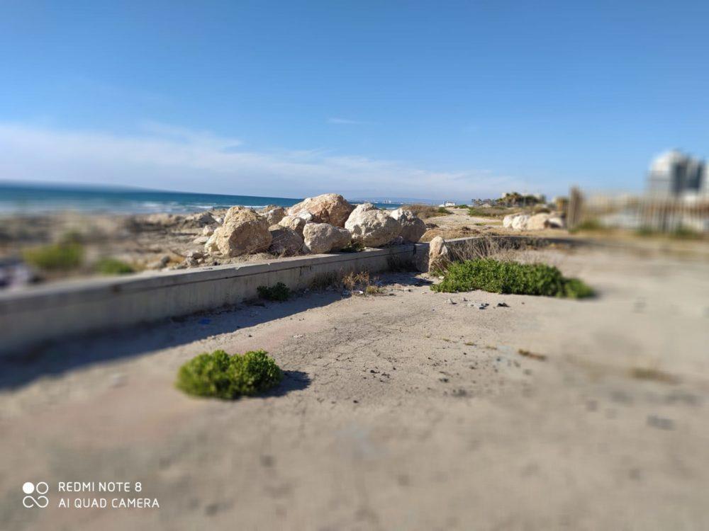 הריסות חוף כאן (מוטי מנדלסון)
