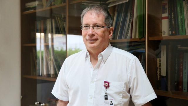 """ד""""ר מיקי הלברטל, מנהל רמב""""ם (צילום: פיוטר פליטר)"""
