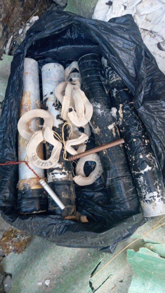 מצבור אמצעי לחימה התגלה בשכונת חליסה בחיפה (צילום: משטרת ישראל)