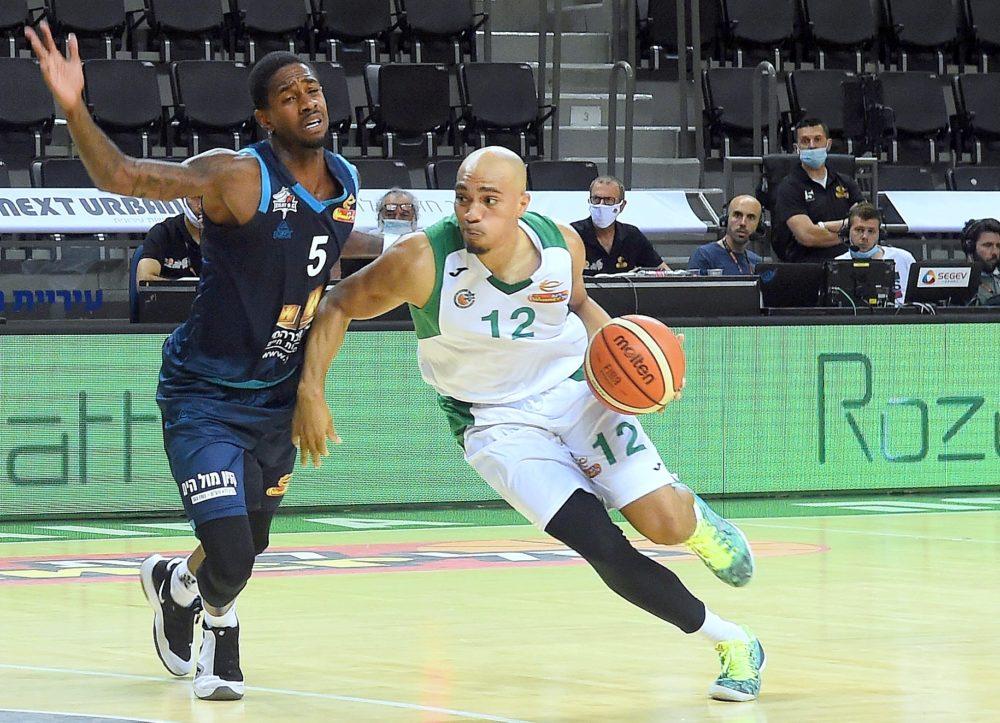 כדורסל בחיפה: מכבי חיפה מפסידה ברוממה 90:82 להפועל אילת (צילום: יוסף הירש)