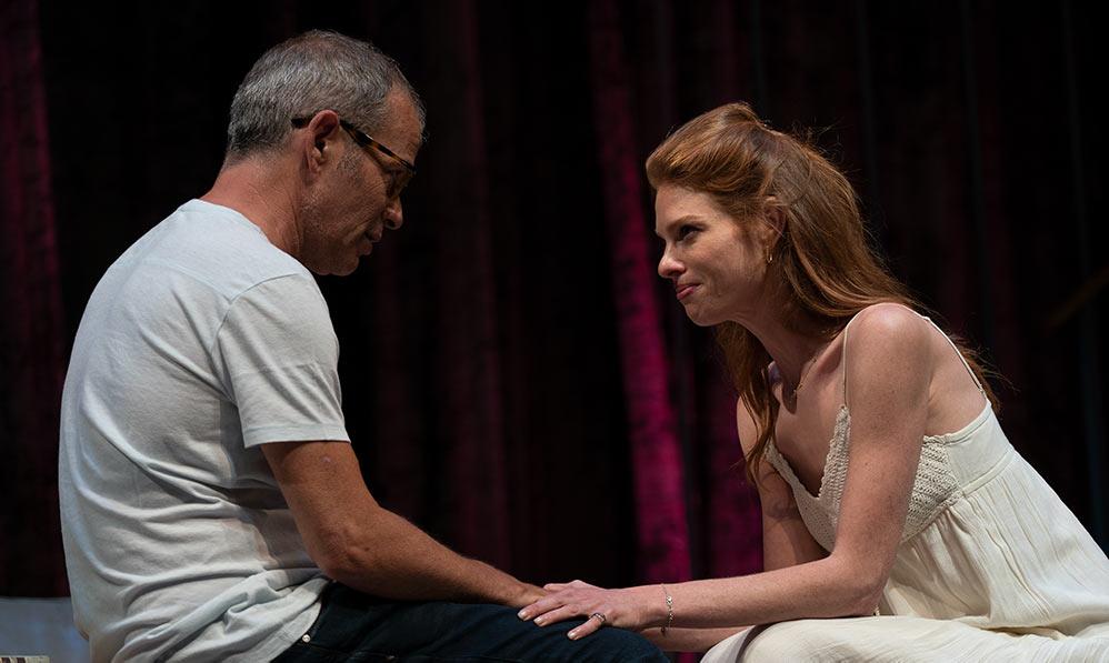 יובל שרף ורמי הויברגר - תאטרון חיפה בהצגה הנשים של ג'ייק (צילום: ירון כרמי)