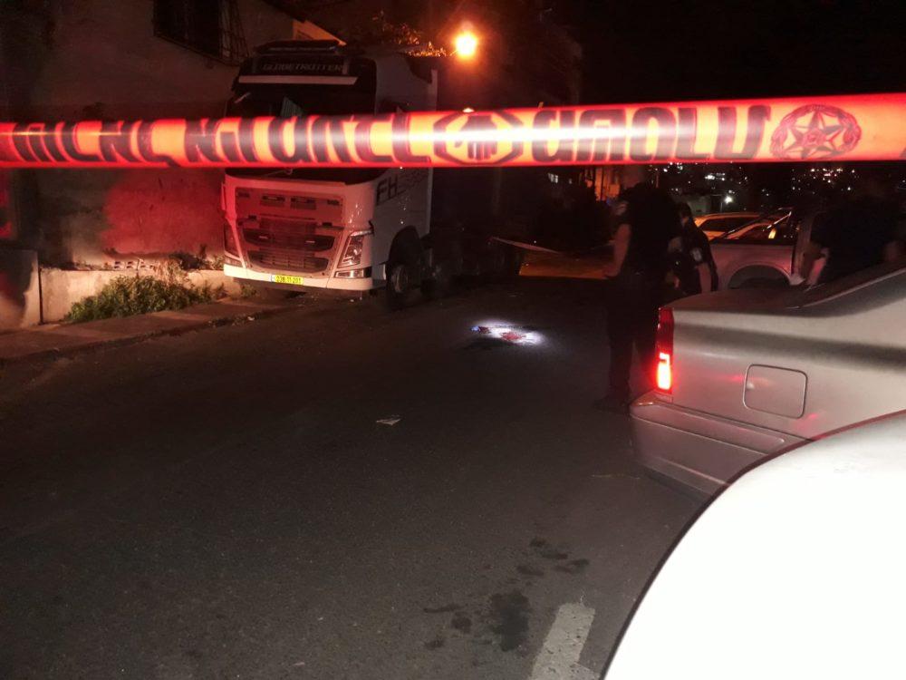 זירת ירי ברחוב דוד רזיאל בחיפה - פצוע במצב קריטי (צילום: איחוד הצלה)