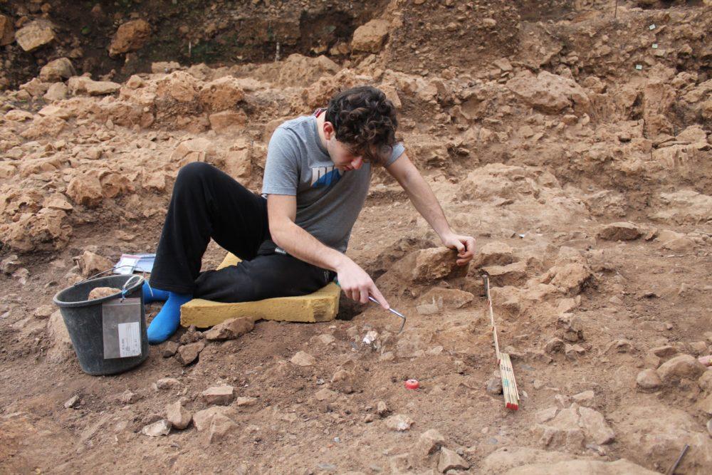 חפירות בכרמל (צילום: ראובן ישורון)