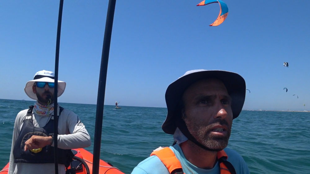גיל הורביץ וערן סלע - מחנה אימונים בקריית ים - הסבת שייטים לקייט פויל לקראת אולימפיאדת פריז 2020 (צילום: ירון כרמי)