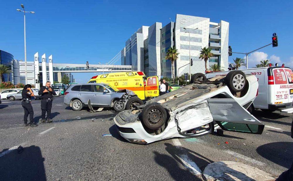 """תאונת דרכים בצומם מת""""ם (צילום: איחוד הצלה)"""