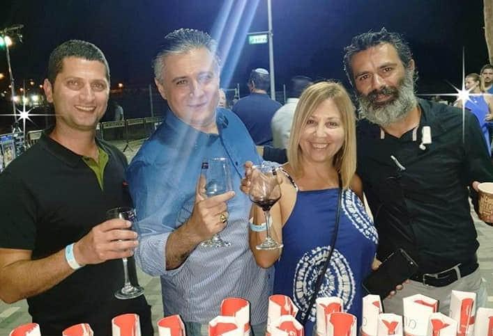 עם רועי לוי, ראש עיריית נשר חני לוי ומנהל פסטיבל היין (צילום פרטי)