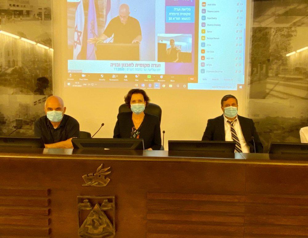 נחשון צוק, עינת קליש ומיכי אלפר (צילום: ראובן כהן דוברות עיריית חיפה)
