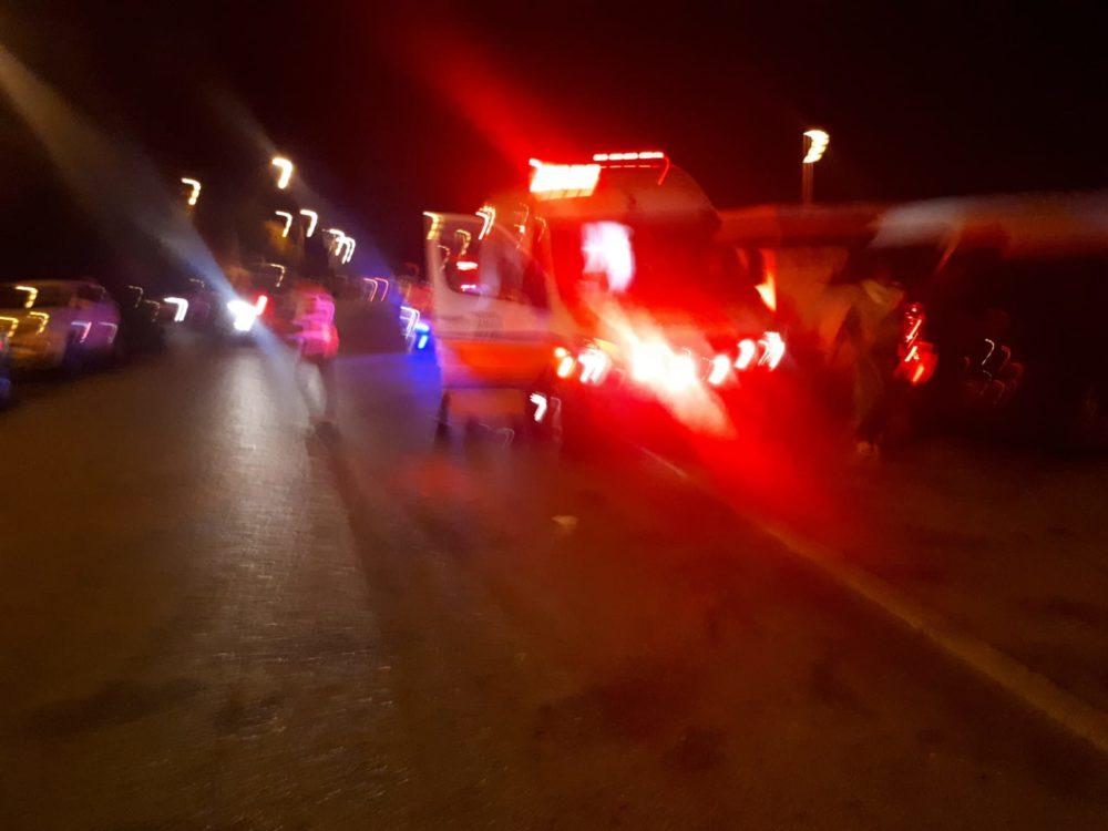 זירת ירי בבית ברחוב ערד בחיפה • גבר ואישה נפצעו (צילום: איחוד הצלה)
