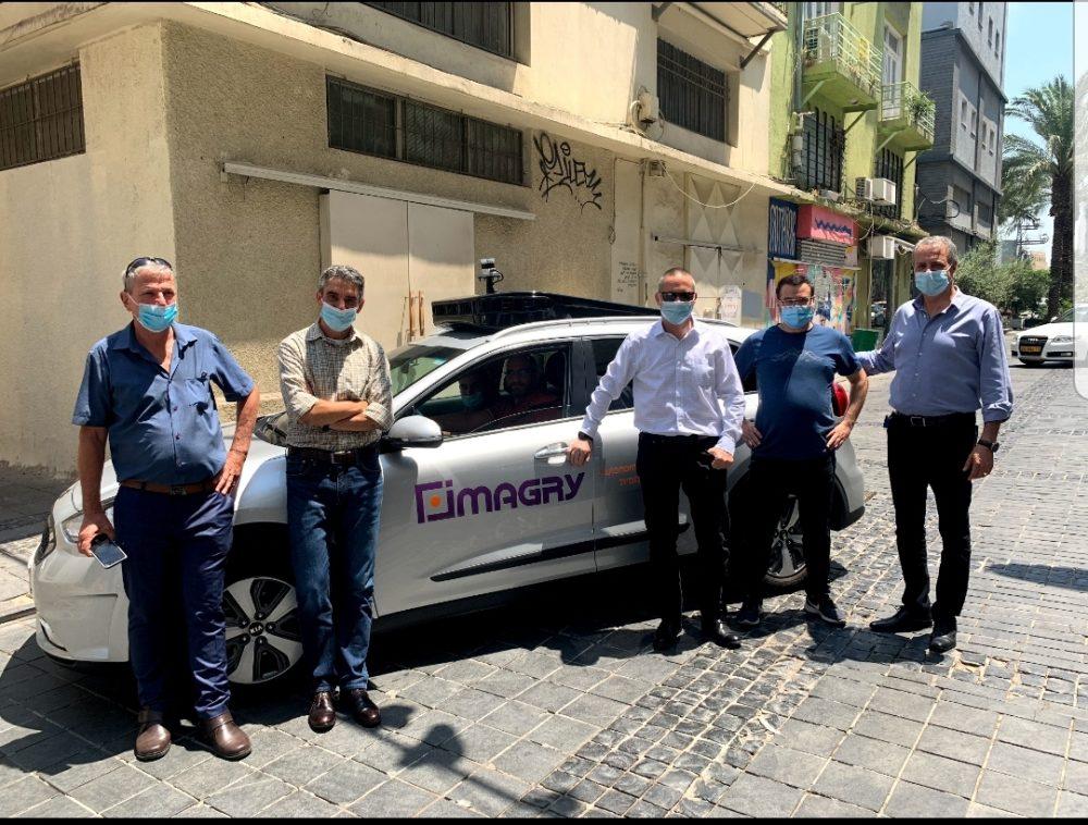 שר המדע והטכנולוגיה, יזהר שי עם רכב אוטונומי, imagry (צילום: דוברות השר)