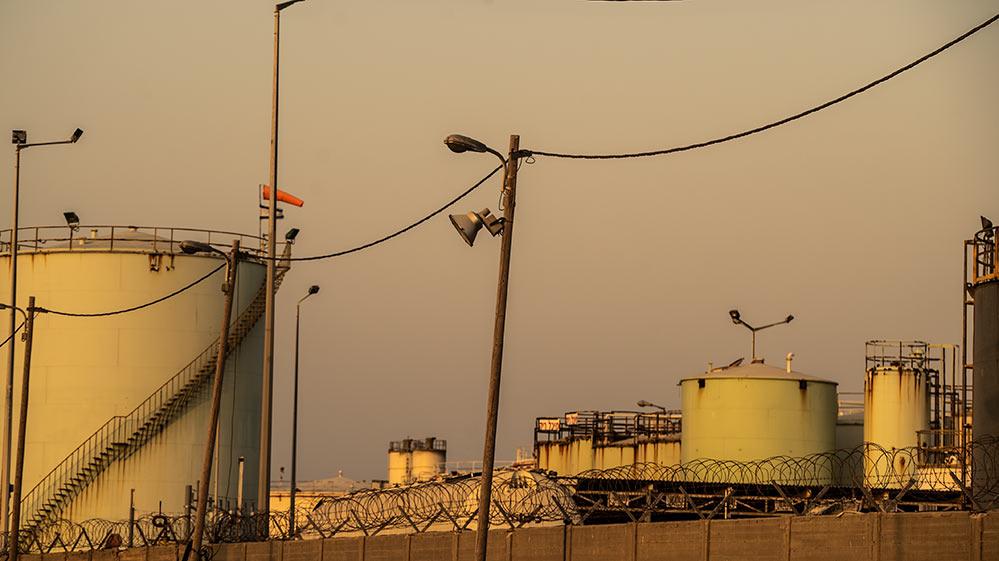 מסוף הכימיקלים - מפרץ חיפה (צילום: ירון כרמי)