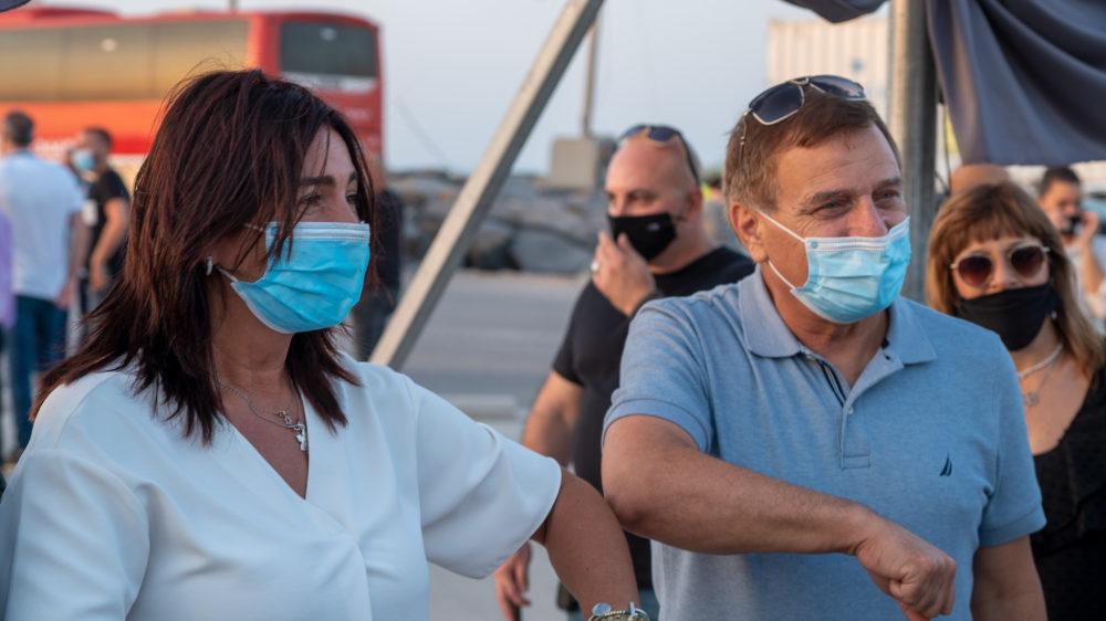 מירי רגב ושמשון עידו בנמל המפרץ - חיפה (צילום: ירון כרמי)