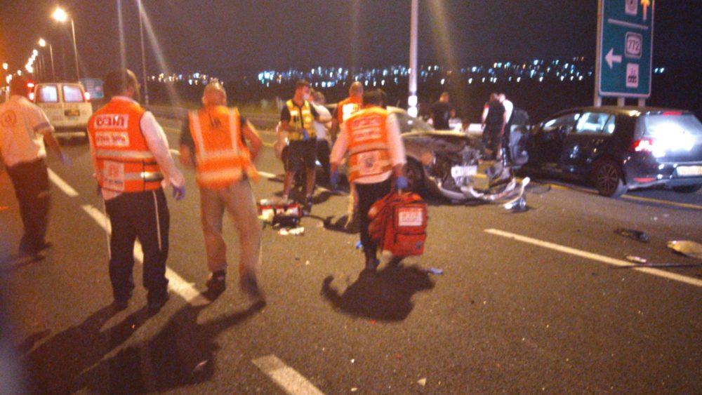 תאונת דרכים, בכביש 70 בין כפר חסידים לצומת יגור | 2 פצועים (צילום: איחוד הצלה)