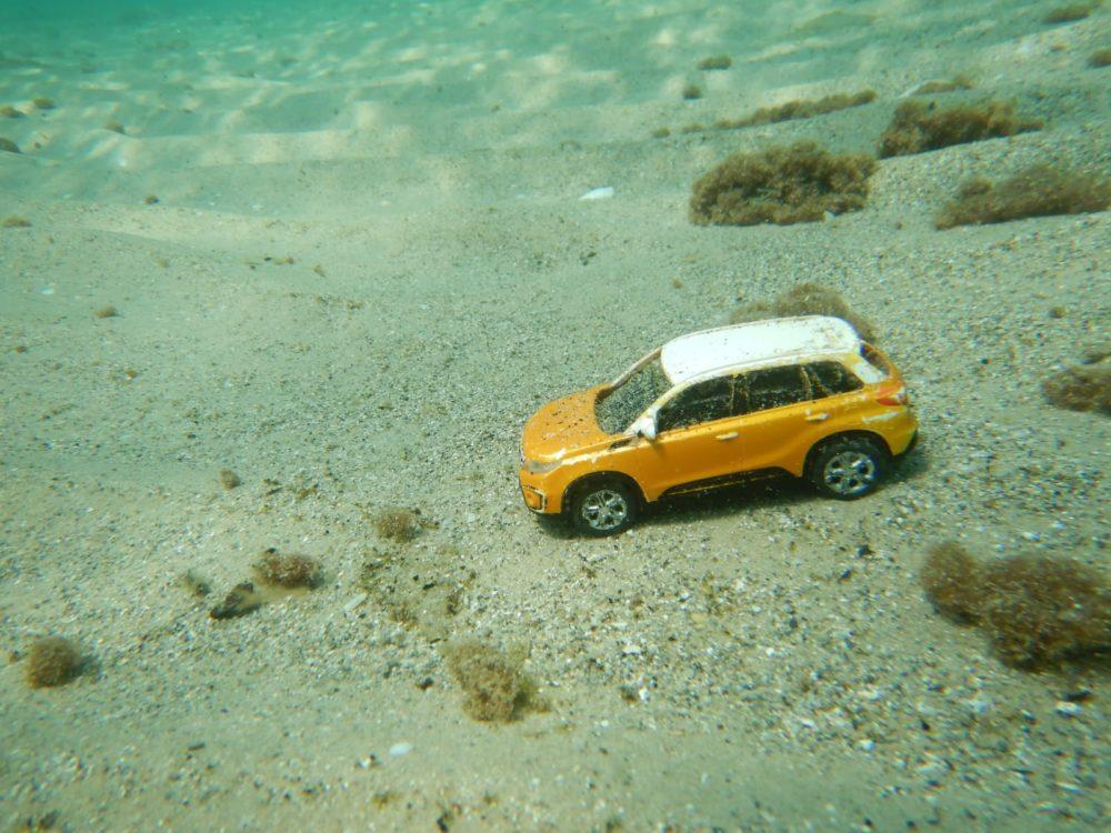 מכונית צעצוע שהגיעה מלבנון (צילום: מוטי מנדלסון)