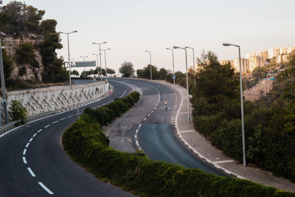 אופניים בכביש הריק | יום כיפור (צילום: עדי שילר)