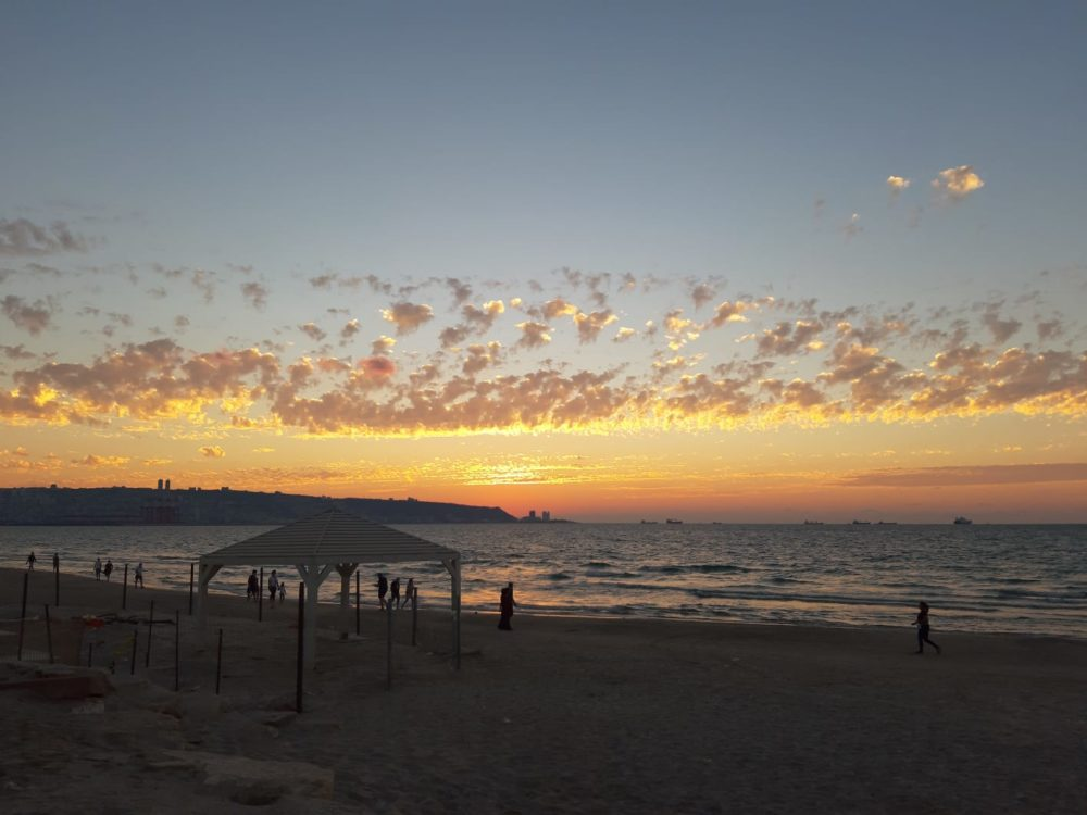 שקיעה של סתיו - חוף קריית ים (צילום: חן דיין)
