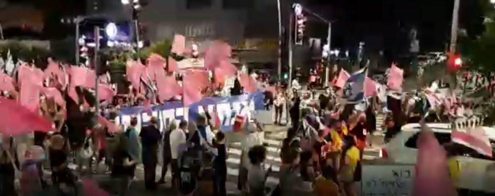 מחאה נגד הממשלה בכלל ונתניהו בפרט (צילום: דרור מאירי)