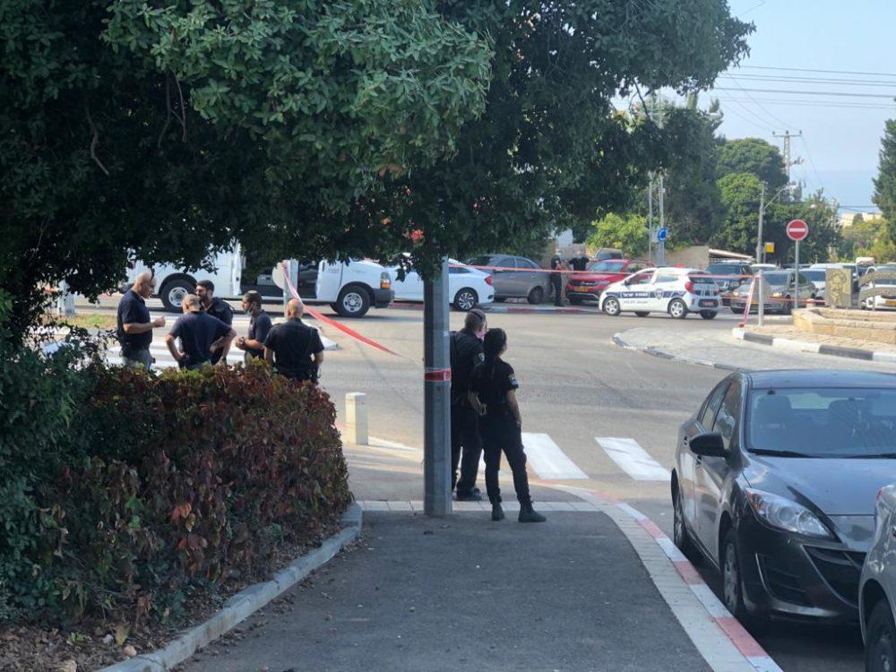 אירוע משטרתי ברחוב טשרניחובסקי - הרחוב חסום לתנועה (צילום: חי פה)