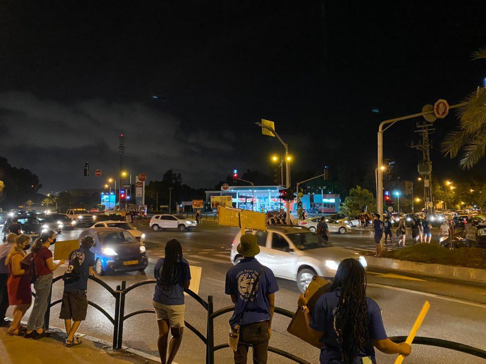 מחאת הנוער העובד והלומד נגד רצח נשים (צילום: אופיר מזרחי)