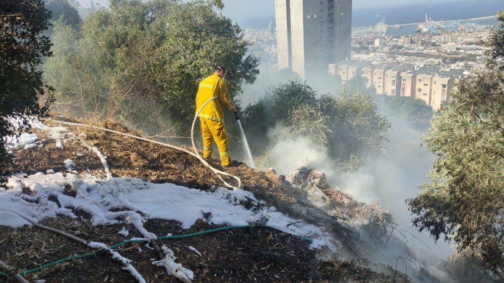 כיבוי השרפה (צילום: כבאות והצלה)