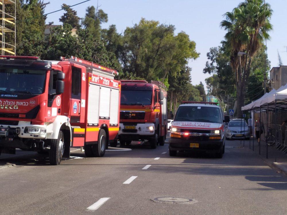 שרפה ברחוב הגליל | כבאית (צילום: חגית אברהם)