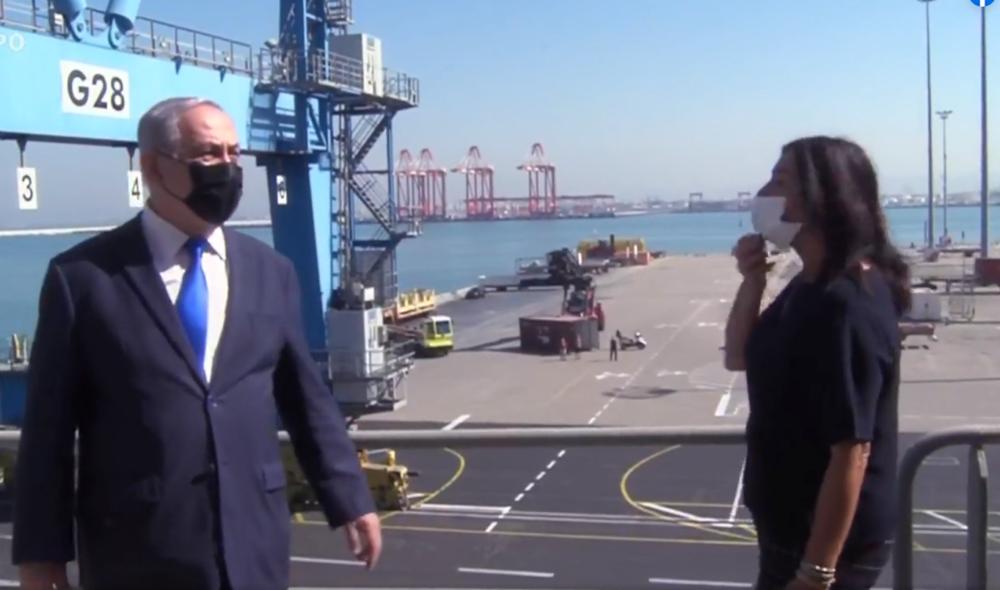 בנימין נתניהו ומירי רגב בביקור בנמל חיפה (צילום מסך מעמוד הפייסבוק של השרה רגב)