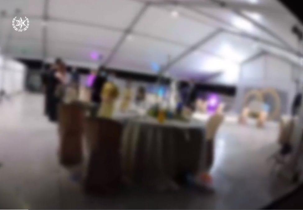 חתונה רבת משתתפים בניגוד להנחיות (צילום: דוברות המשטרה)