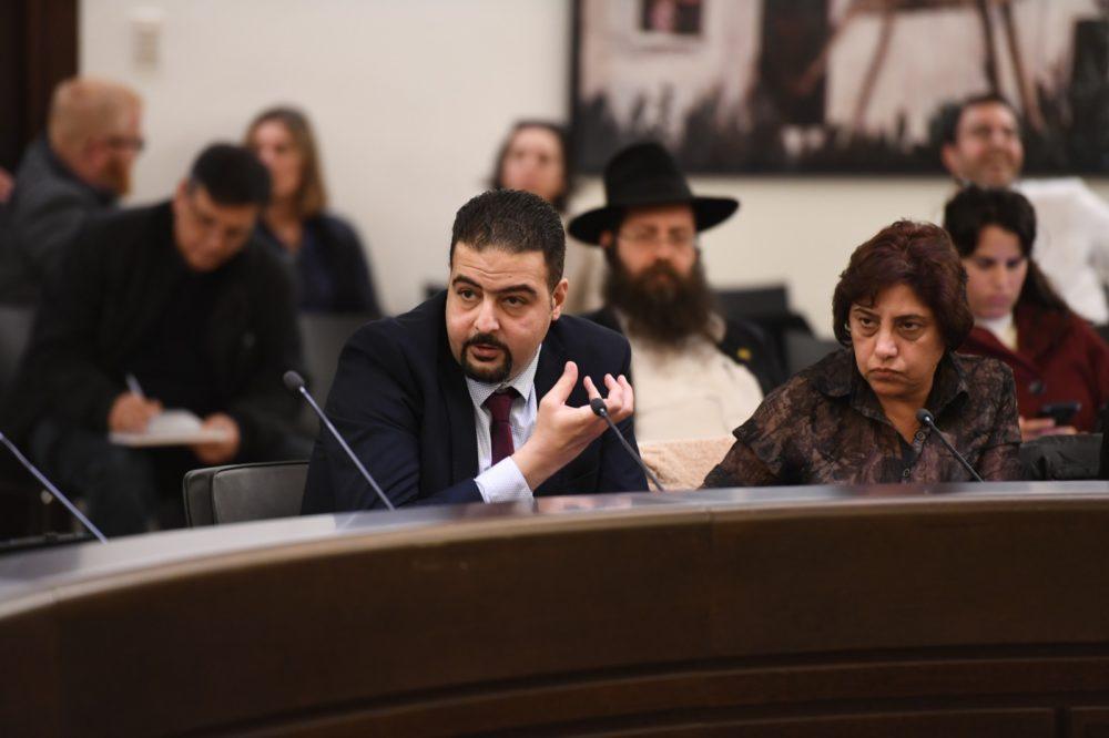 רג'א זעאתרא חבר מועצת העיר (צילום: ראובן כהן)