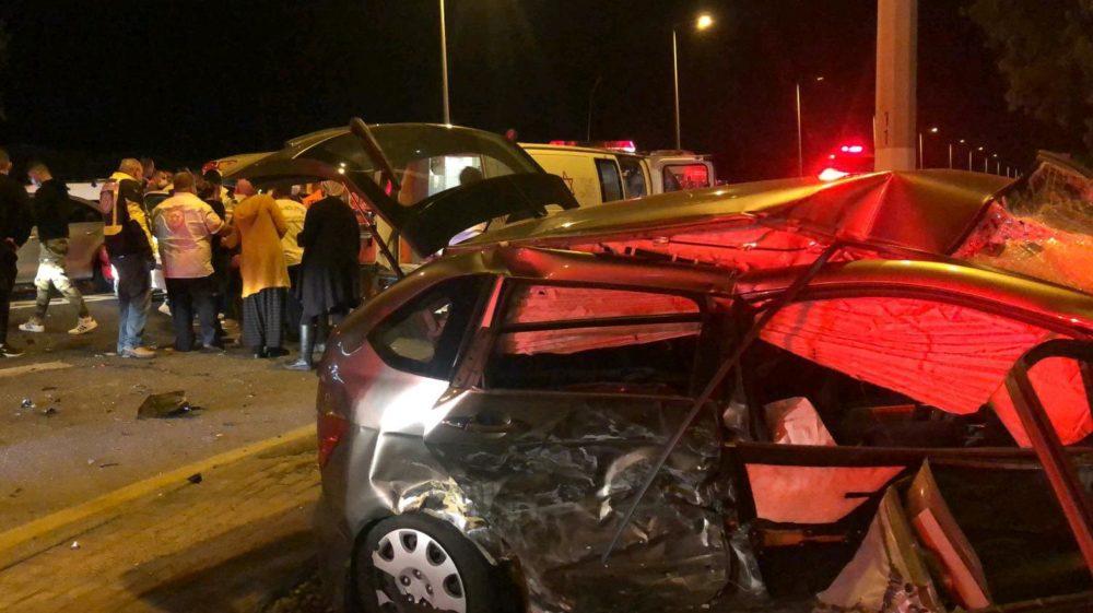 """תאונת דרכים קשה על כביש 4 ליד צרופה (צילום: מד""""א)"""