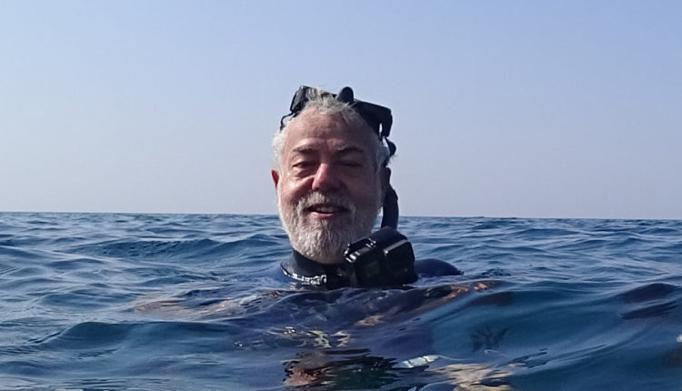 מוטי מנדלסון – צלילה בחופי חיפה בסתיו – שמורת שיקמונה (צילום: ירון כרמי)