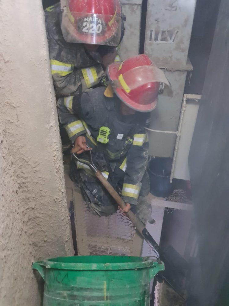 שריפה בממגורות דגון בחיפה (צילום: כבאות והצלה)